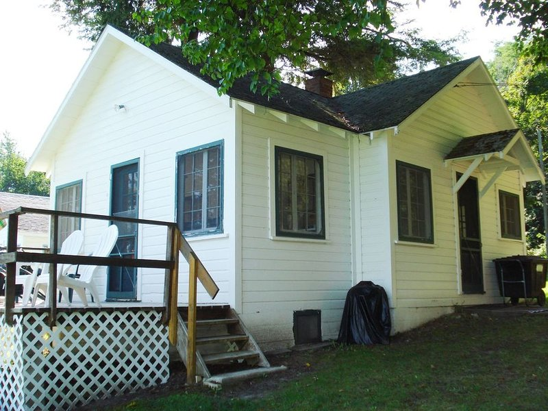 Clam Lake Cottage on Clam Lake -  Great Fisherman's Cottage, holiday rental in Alden
