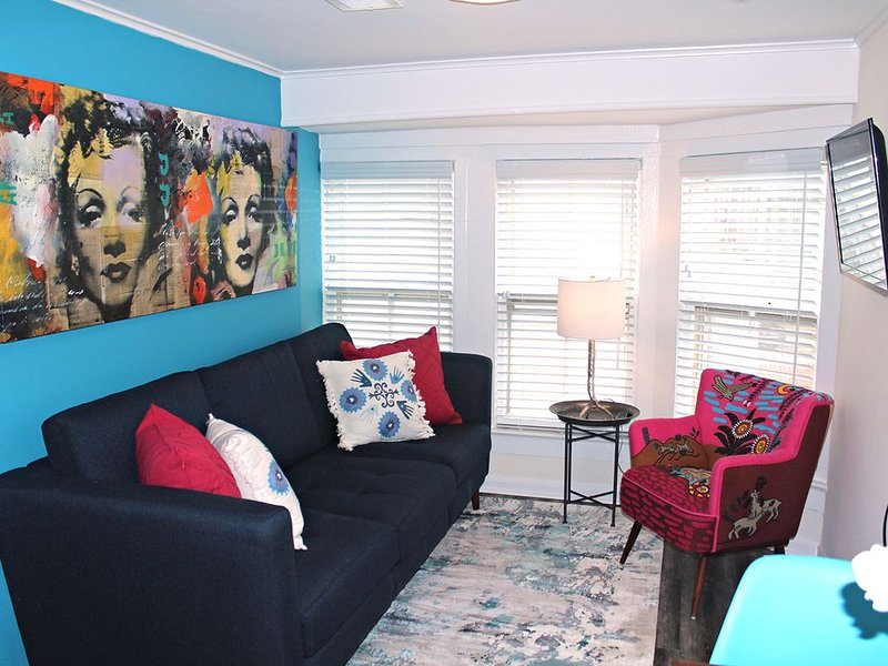 New Beach Apt - 4 Blocks from Beach & 2 Blocks from Downtown Asbury, holiday rental in Neptune