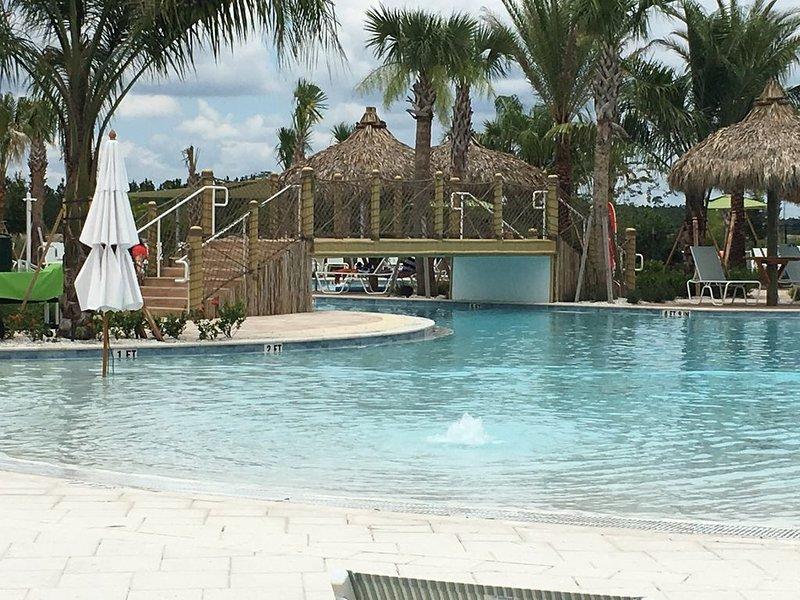 Intro - Sale      Margarettaville NASCAR/Disney/Ocean Beach Resort, location de vacances à De Leon Springs