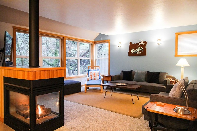 Capetivated 3 Bdrm with great beach access, bikes, wifi, BBQ, alquiler vacacional en Pacific City