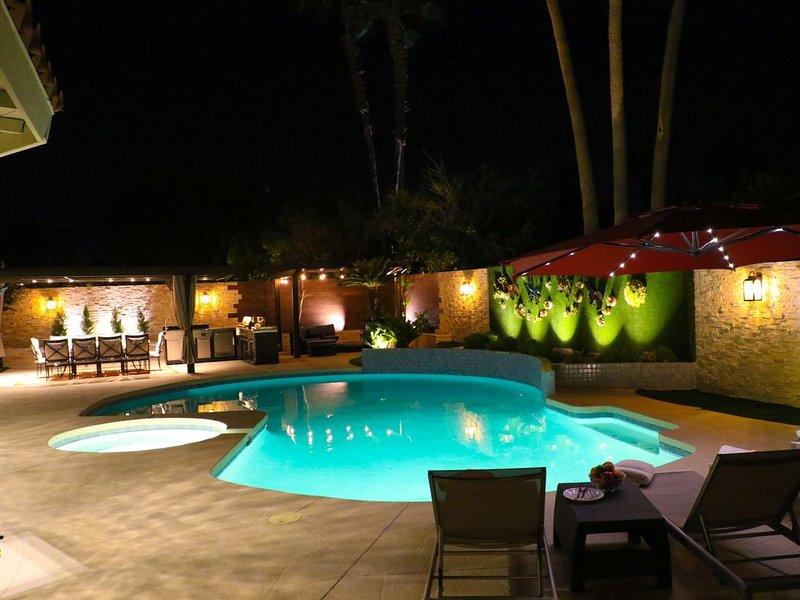 Luxury Modern Home POOL, SPA, FIRE PIT. License #16537, alquiler de vacaciones en Cathedral City