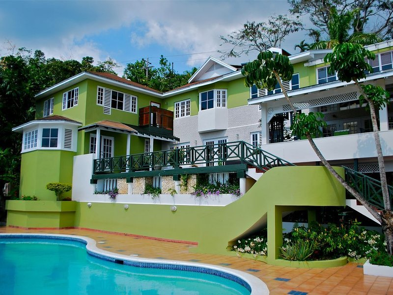 SPRING SPECIAL(40% discount)***$390 per night***Sleeps 8(up to 12 on airbeds), vakantiewoning in Blue Mountains National Park