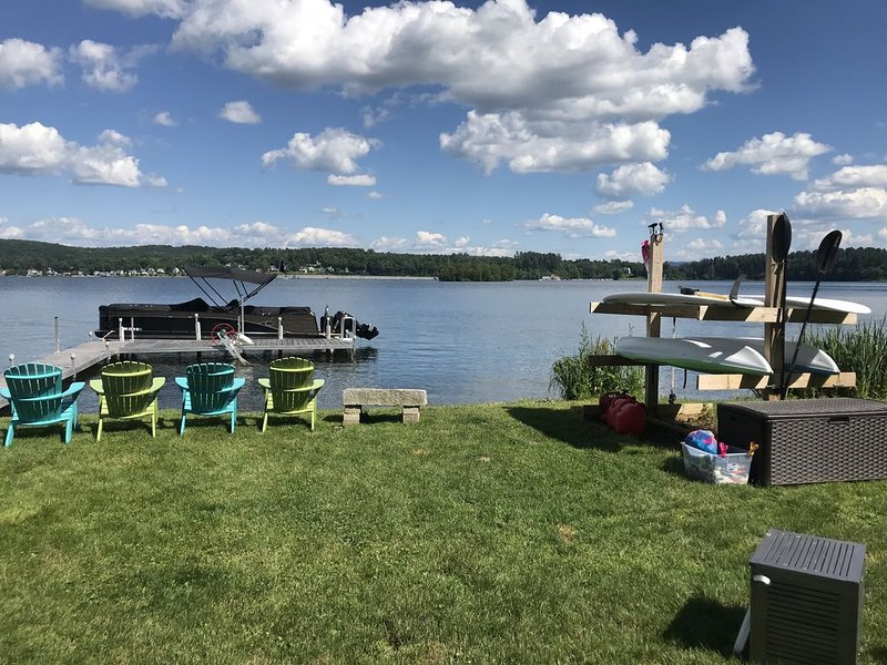 Newly Renovated Waterfront Lakehouse for rent, holiday rental in Pittsfield