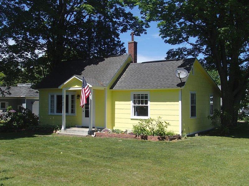 Buena Vista - Empire Michigan Vacation Home, alquiler vacacional en Empire