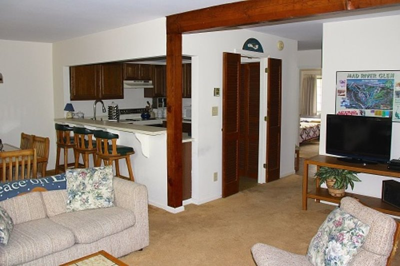 Sugarbush Valley End Unit Townhome Sleeps 7 - Dog Friendly, alquiler de vacaciones en Fayston