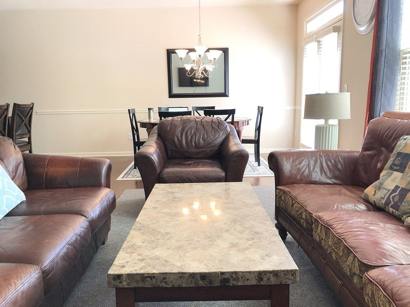 Luxury retreat, very close to busy district in Lawrenceville, alquiler de vacaciones en Duluth