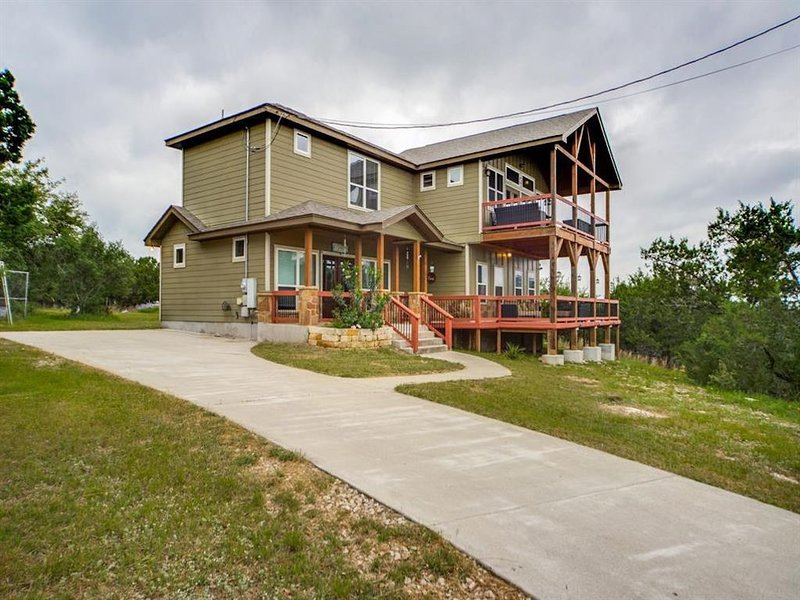 AWESOME LAKE VIEW ON NORTH SIDE OF CANYON LAKE W.O.R.D.#L1501, location de vacances à Fischer