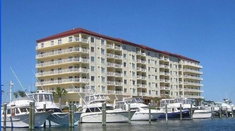 Beachfront Condo with amazing views, holiday rental in Beaufort