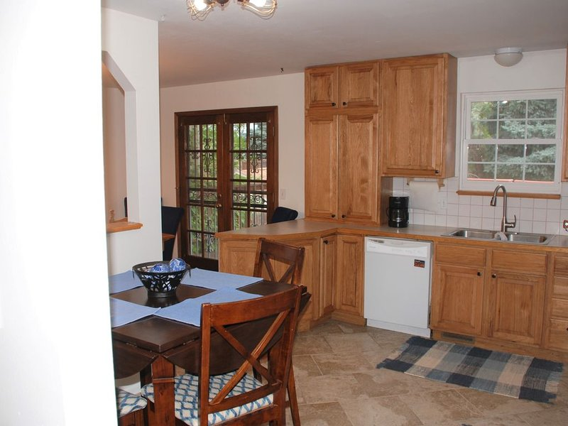 Large family friendly home in SW Littleton, CO, holiday rental in Littleton