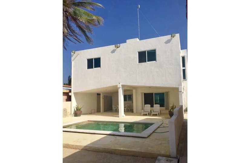 Charming nautical themed beach house with beautiful ocean view., holiday rental in Sisal
