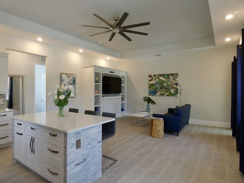 Newly Built! Modern North Naples Villa on 3 Acres!, holiday rental in North Naples