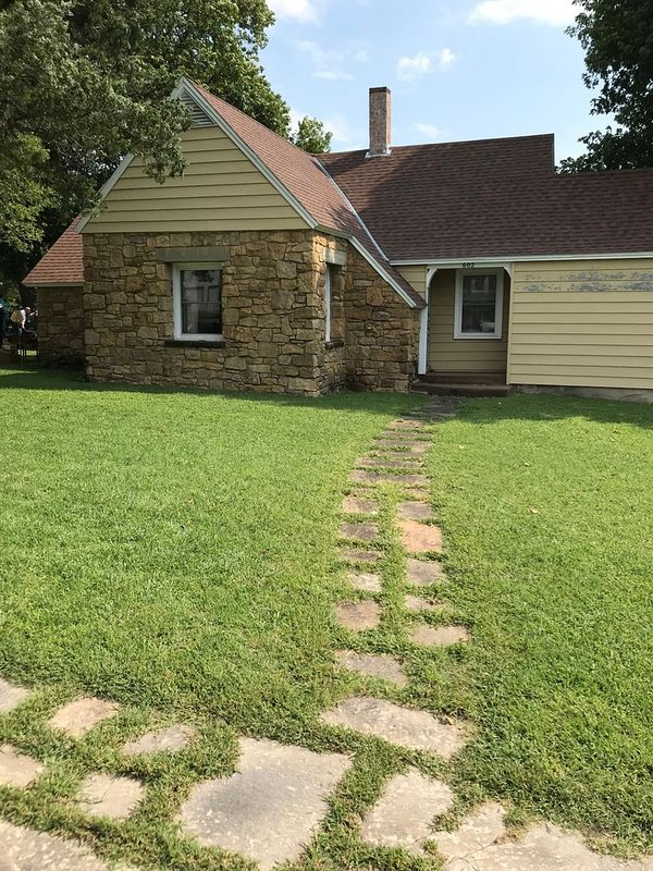 Rock Bottom Cottage - Cedar Vale Kansas, alquiler vacacional en Cedar Vale