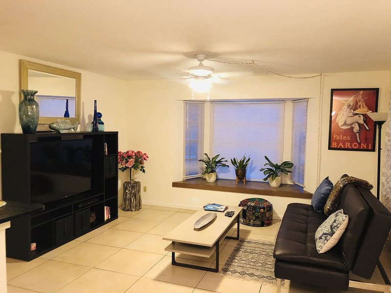 Lovely Apartment in a Prime Location – semesterbostad i Lauderdale by the Sea