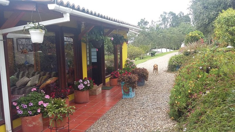 AWSOME COUNTRY HOUSE NEAR BOGOTA, holiday rental in San Francisco