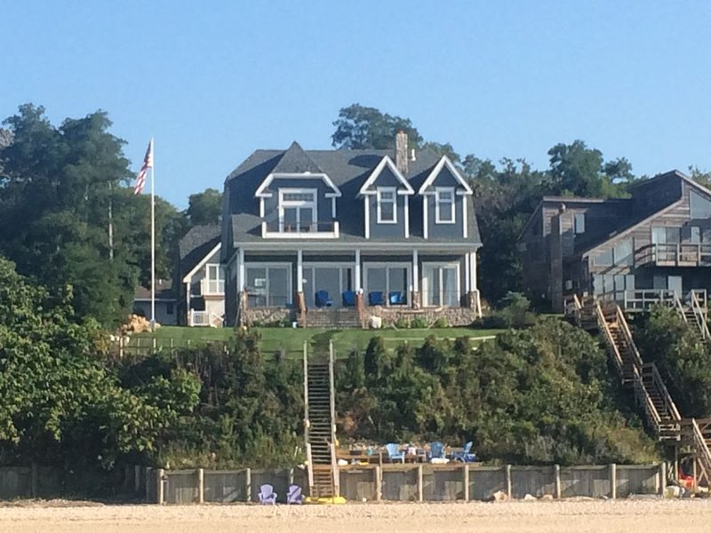 North Jamesport Sound front beach house, holiday rental in Riverhead