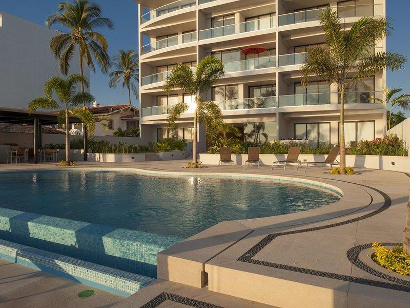 Bucerias beachfront condo, 3+bed, 4 bath, accessible, parking, wifi, max 8, vacation rental in Bucerias