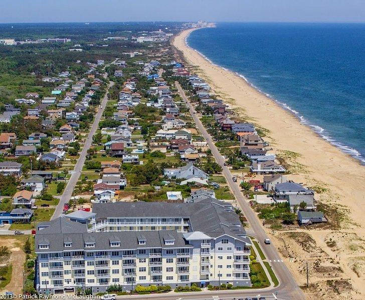 Spacious 3 bedroom beach condo with beautiful ocean views!, alquiler de vacaciones en Virginia Beach