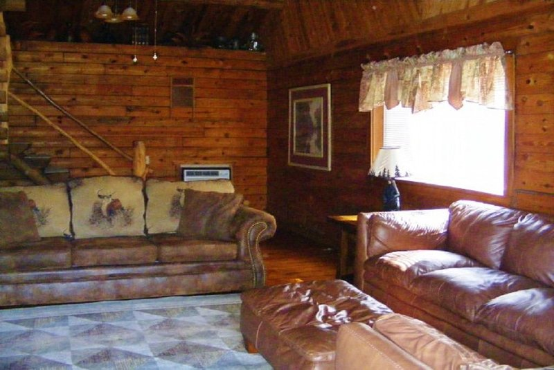 High Shoals Cabins, Cabin 4.  Two miles from Lake Ouachita access, location de vacances à Norman