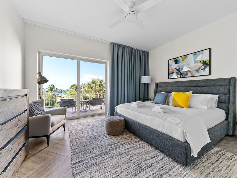 Ocean Terraces - 2 bed, 2 bath units - Ocean View, holiday rental in Coral Harbour