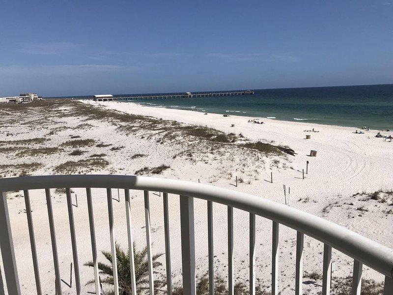 PERFECT RENOVATED EAST CORNER DIRECT GULF/2 BEDROOM & 2 BATH/CLOSE 2 PIER/, alquiler de vacaciones en Gulf Shores