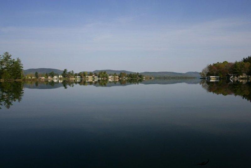 Longview at Warner Bay, A Four Season, Adirondack Waterfront Log Cabin, aluguéis de temporada em Comstock