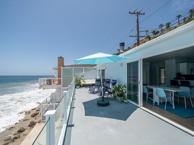 Stunning OceanFront 3 Bedroom Malibu Condo, location de vacances à Malibu