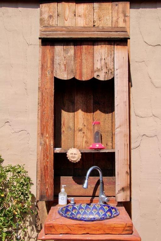Handy outdoor sink
