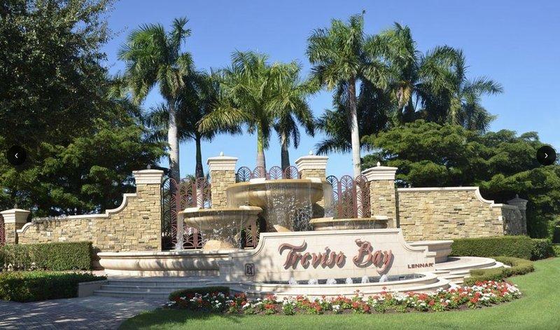 2 bedroom condo with golf access, holiday rental in Keewaydin Island