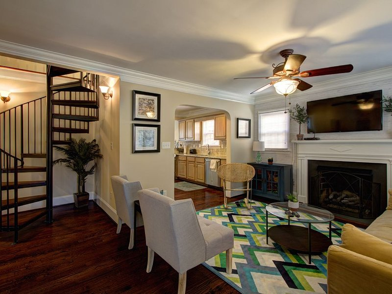 Beautiful Elizabeth Bungalow, vacation rental in Matthews