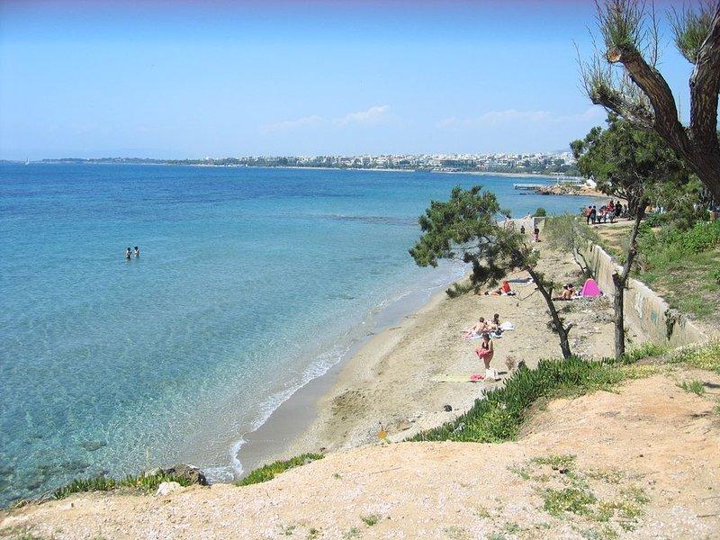 Athens Beach Apartment, Marina/Flisvos, holiday rental in Paleo Faliro