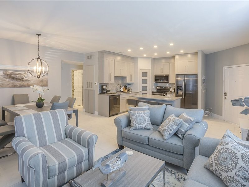 Ground floor renovated condo in Avalon Clearwater, aluguéis de temporada em Clearwater