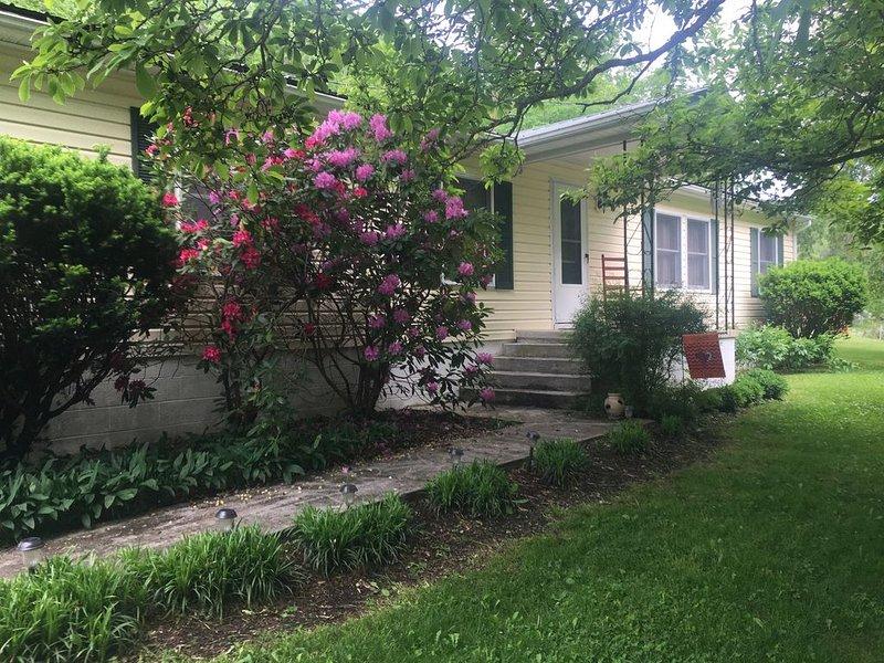 Private home in the Historical District of Newport, VA - Close to Virginia Tech!, location de vacances à Radford