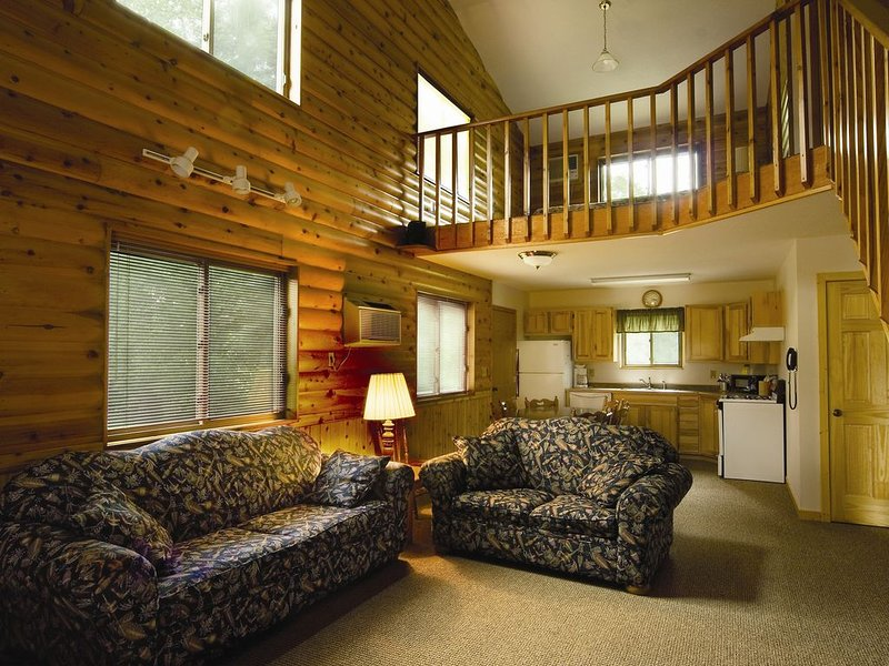 2 Story Townhouse/Cabin on the Thanes River, holiday rental in Vineland