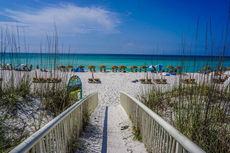 Gulf Front, Private Veranda. Indoor and Outdoor pool, Hot Tub, Fitness Area, alquiler de vacaciones en Pensacola Beach