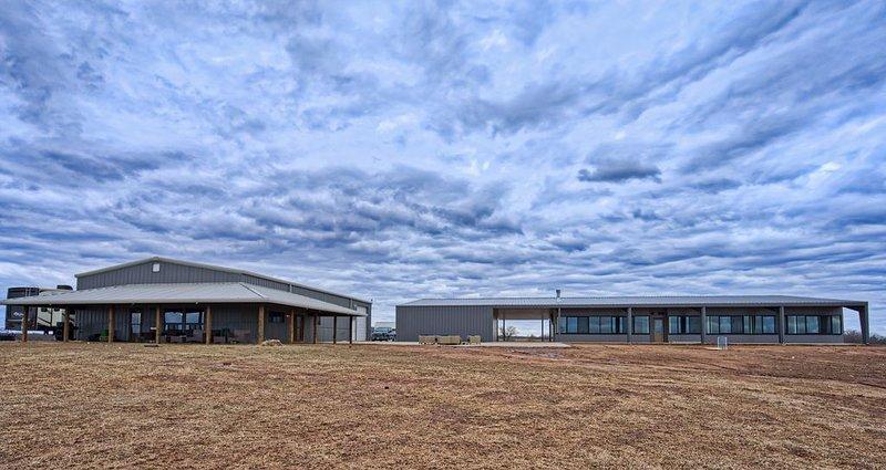 New Private Luxury Corporate/Family Retreat close to OSU and Stillwater, location de vacances à Ralston