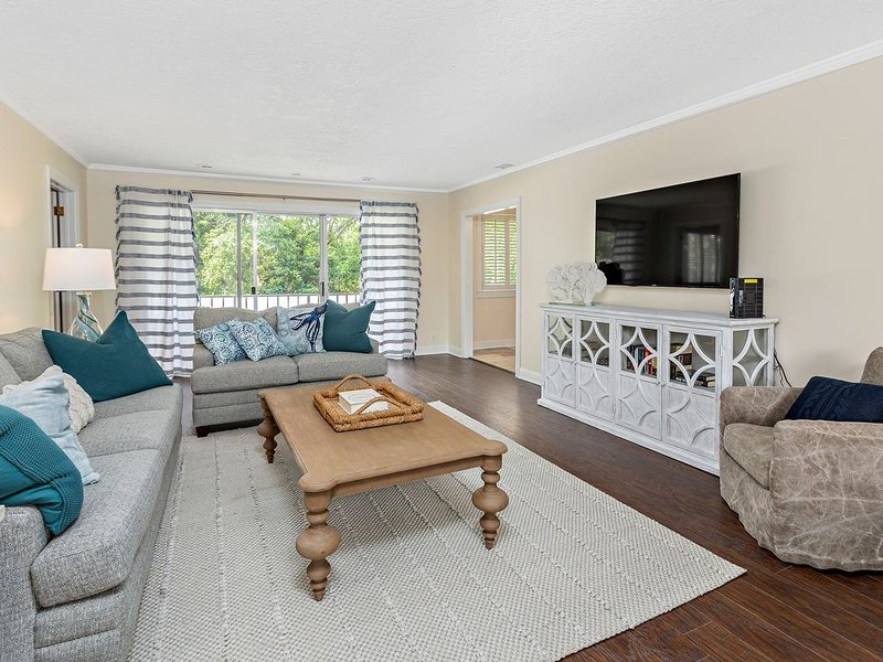 Amazing renovated Condo in Sea Palms. Perfect for golfers! St. Simons Island, holiday rental in Valona