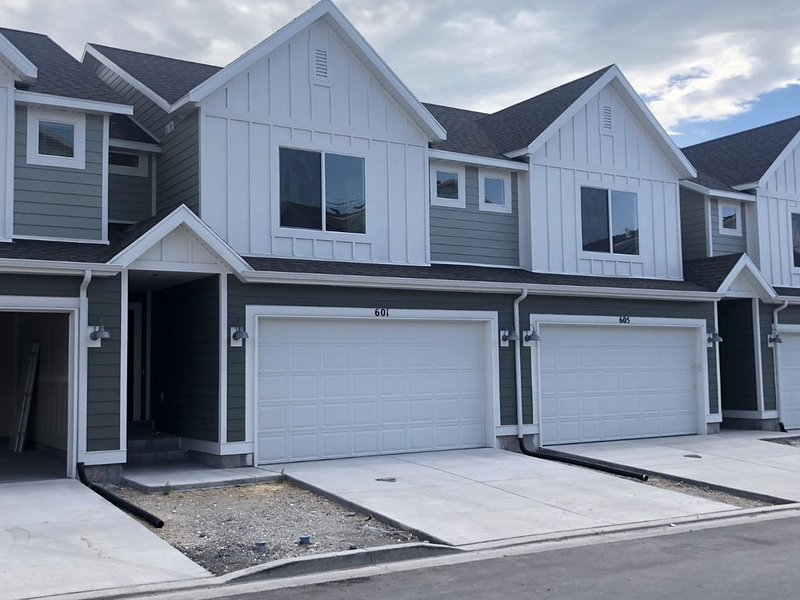 BRAND NEW TOWNHOME ACROSS THE STREET FROM UVU, location de vacances à Mapleton