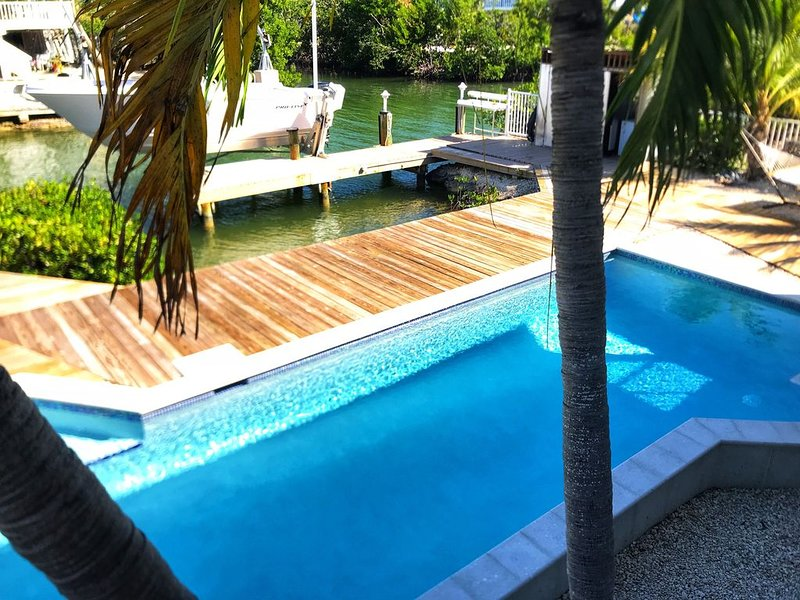 FLORIDA KEYS PARADISE! HEATED SWIMMING POOL, holiday rental in Ramrod Key