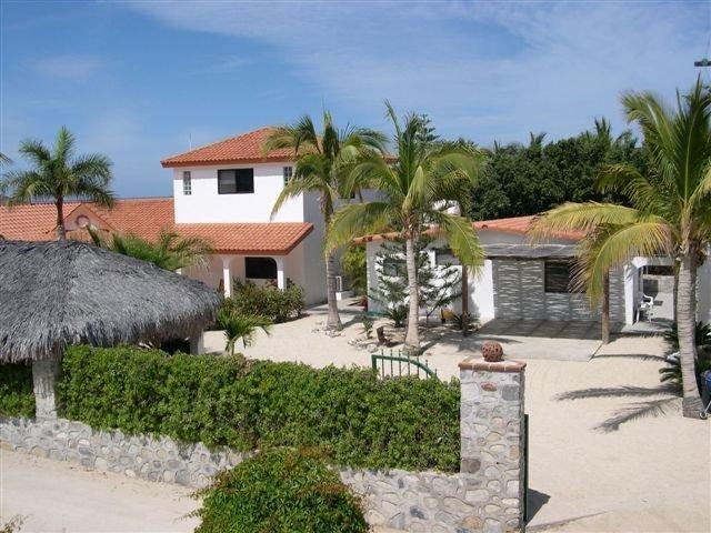 Villa Casa Rosa - 4 Bedrooms, 4 Baths Los Barriles Mexico, aluguéis de temporada em Los Barriles