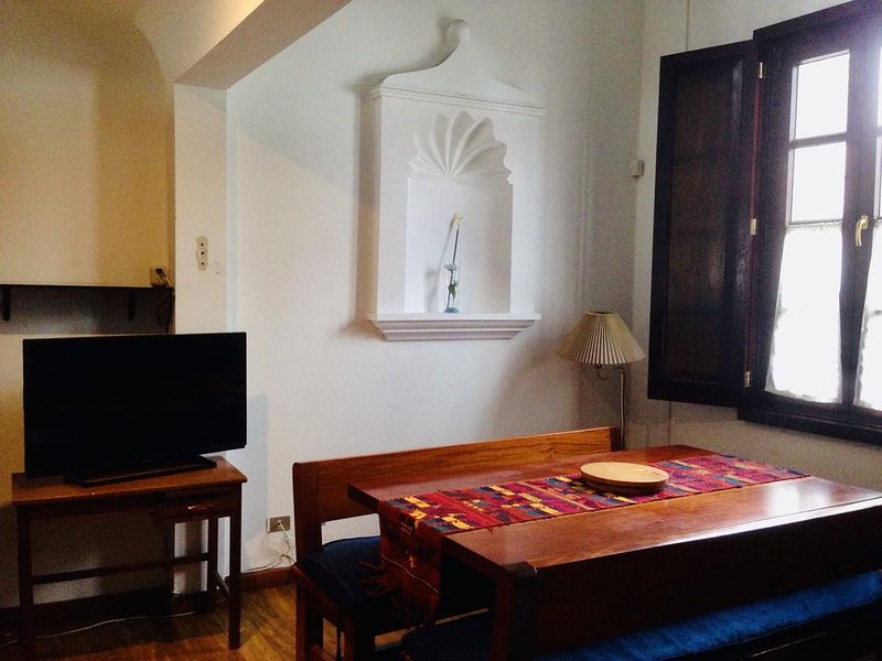 Gorgeous Apartment Walking Just 2 Blocks from Central Park!, casa vacanza a Chimaltenango Department