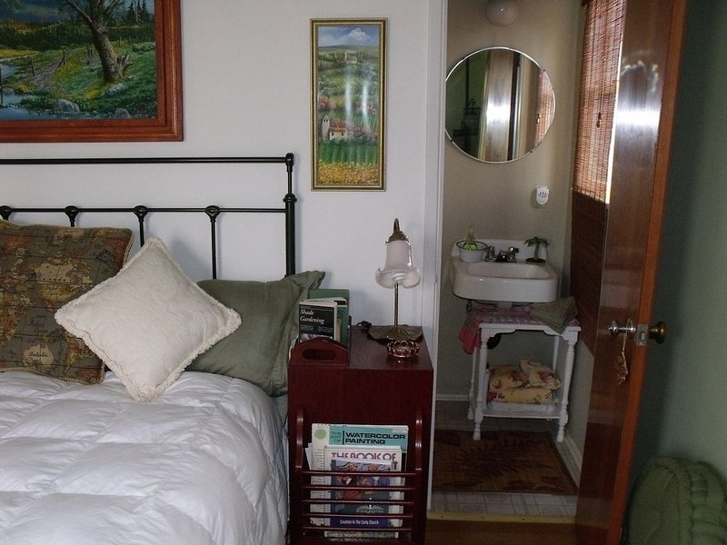Cherry Valley Guest Cottage, holiday rental in Yucaipa
