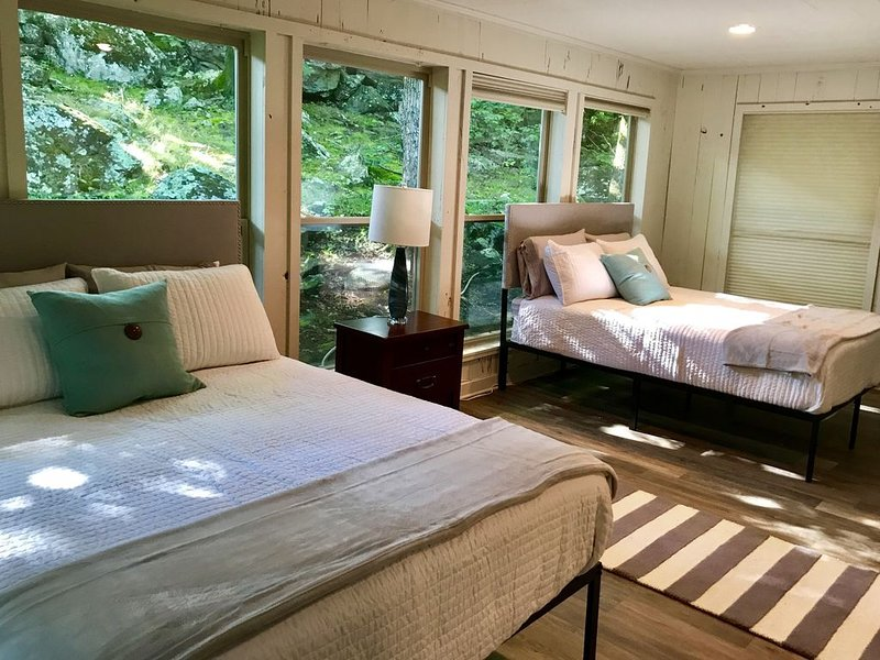 The Cottage at Eden Isle, vacation rental in Heber Springs