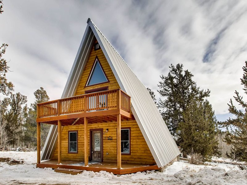 You Will LOVE This Adorable Luxurious Cabin - Views/Fire Pit -Moose Creek Lodge, casa vacanza a Fairplay