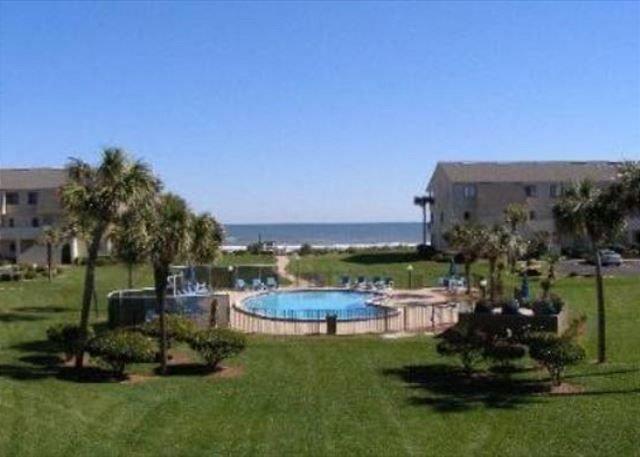 Ocean View Condo, Wifi, 4 heated pools, vacation rental in Marineland
