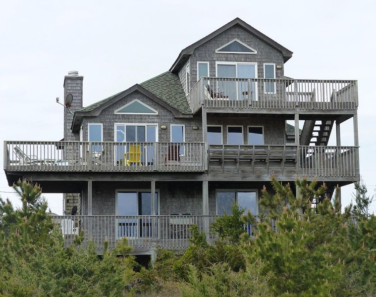 Oceanfront, Dog and Electric Car Friendly, Great Ocean Views, 3rd Fl BedRm Suite, holiday rental in Hatteras Island