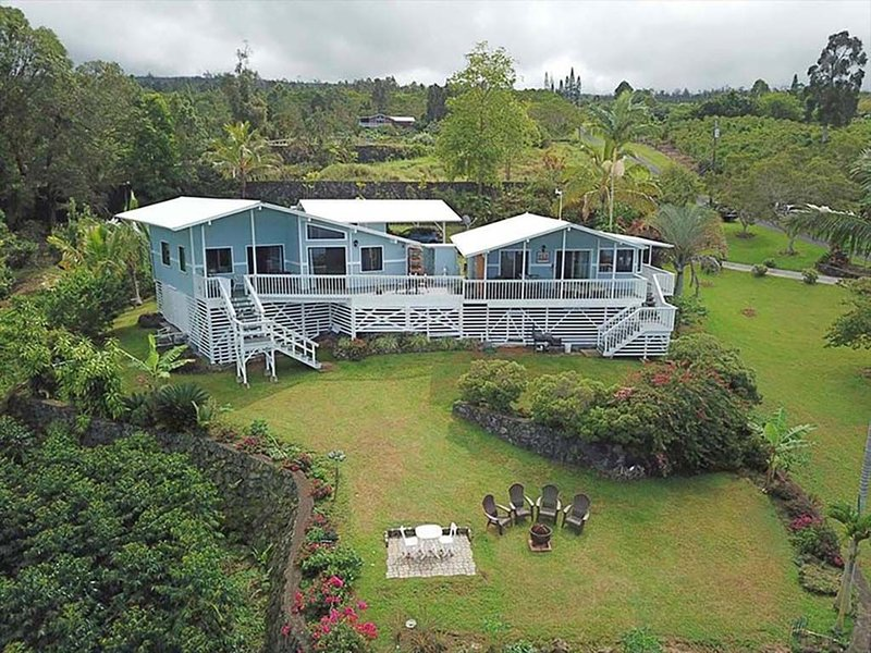 Ocean Views from Private Lanai 1 bed/1 bath Cottage  on a 100% Kona Coffee Farm!, location de vacances à Captain Cook