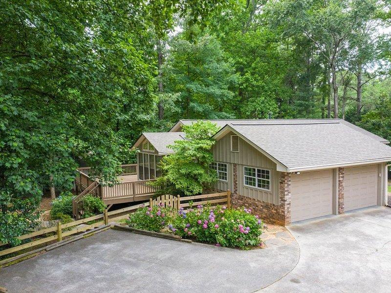 Garden Oasis In the heart of the north Atlanta Suburbs, location de vacances à Alpharetta
