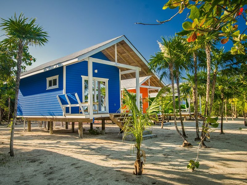 Your Beach Dreams Come True! Romantic Beach Cabin, holiday rental in Politilly Bight