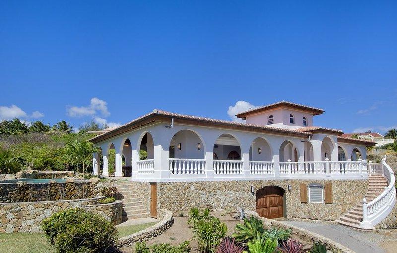 VillaRosa - 2 bedr villa with ocean views from all rooms - by Island Properties, alquiler de vacaciones en Oyster Pond