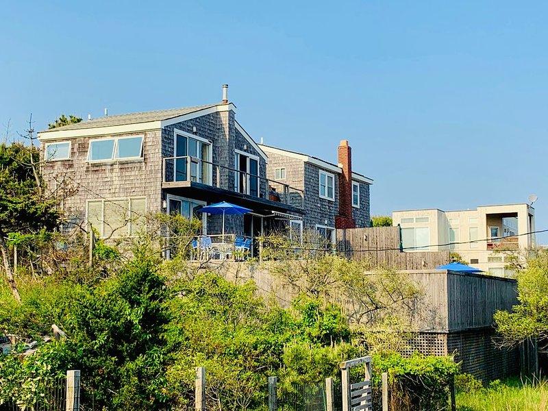 Fire Island Pines 2 bed/2.5 bath pool home with ocean views from all rooms, aluguéis de temporada em Cherry Grove